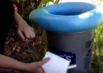 create portable toilet out of a bucket