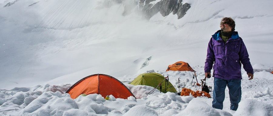 Know How To Set Up A Tent In A Snow - Camping Valley